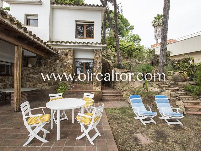 Hermosa villa en venta en la urbanización Cala Canyelles, Lloret de Mar