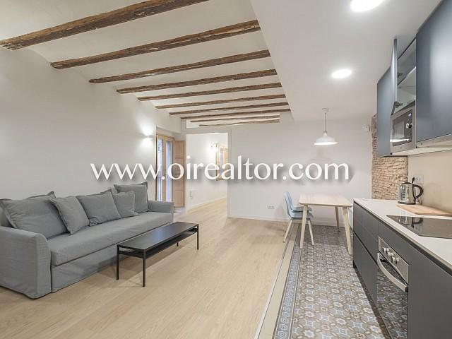 Schön renovierte und gemütliche Wohnung zum Verkauf in Born, Barcelona