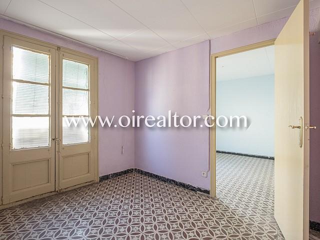 Apartamento en venta para reformar en el Raval, Barcelona