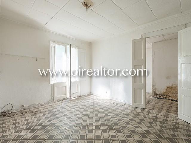 Appartement à vendre à rénover pour invertir dans le Raval, Barcelone