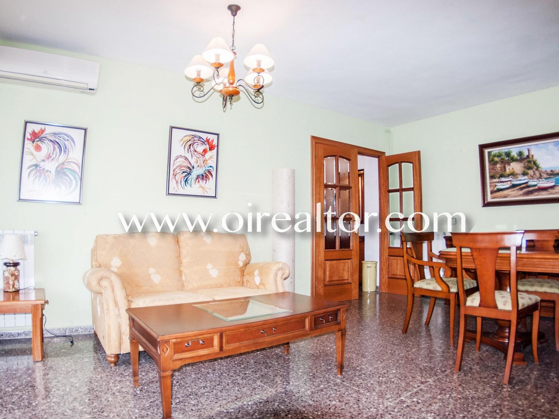 Хорошая и расположенная в центре квартира для продажи с тремя спальнями с несколькими террасами в Льорет-де-Мар