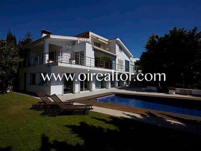 Fantástica casa familiar con gran encanto con piscina en Vallpineda, Sitges