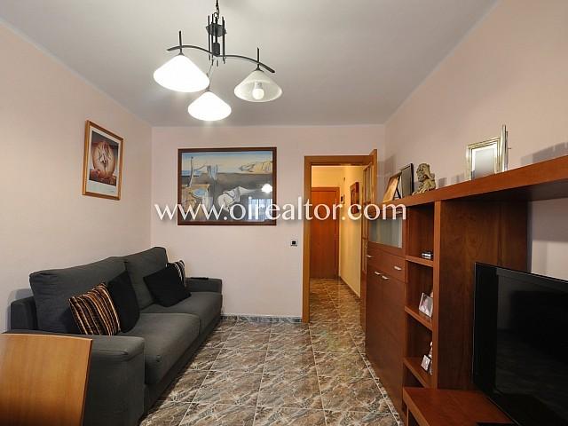 Centrico floor for Sale in Street La Pastora Rubí