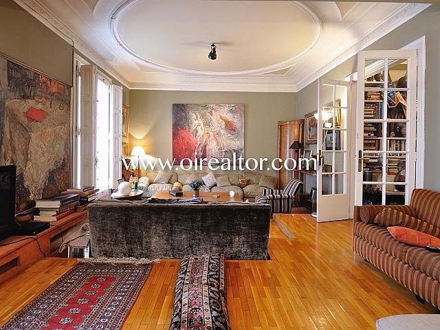 Appartement élégant et stylé dans un domaine royal dans Eixample Dreta
