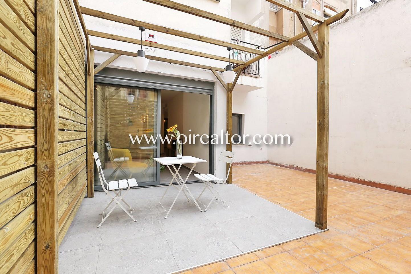 Piso en venta con terraza a estrenar y parking en poble sec barcelona oi realtor - Subastas de pisos en barcelona ...
