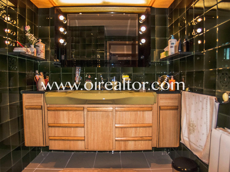 Эксклюзивный дуплекс с частным лифтом на продажу в центре Льорет де Мар, Коста Брава