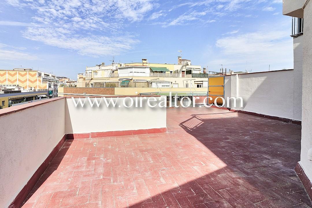 Luminoso tico con gran terraza en eixample esquerra barcelona oi realtor - Atico terraza barcelona ...