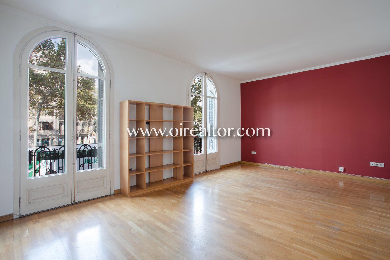 Великолепная квартира для продажи в величественном королевском поместье в Эшампле Эскерра, Барселона