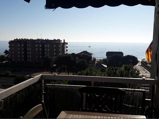 Encantador piso todo reformado, en venta al lado de la playa de Sant Vicenç de Montalt