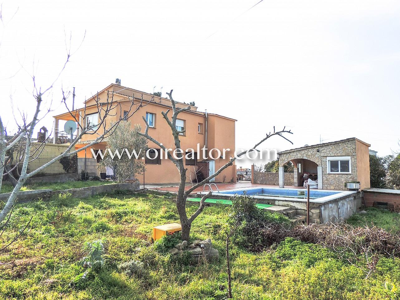 Casa soleada en venta en la urbanizaci n la creu de lloret - Venta de apartamentos en la costa ...