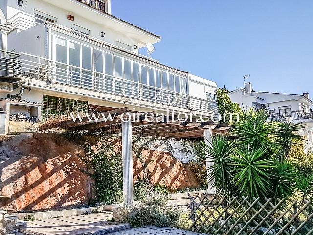 Casa per actualitzar en venda en el ple cor del Maresme , Santa Susanna
