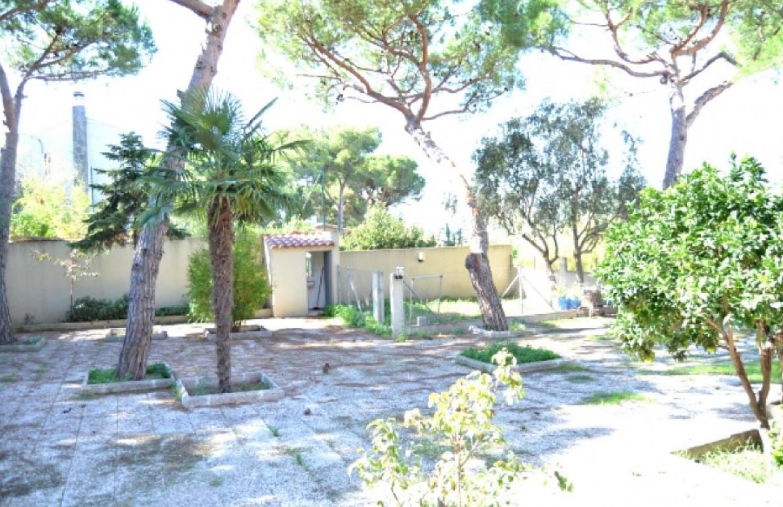 Exclusiva casa en venta en canyet badalona oi realtor for Casa jardin badalona