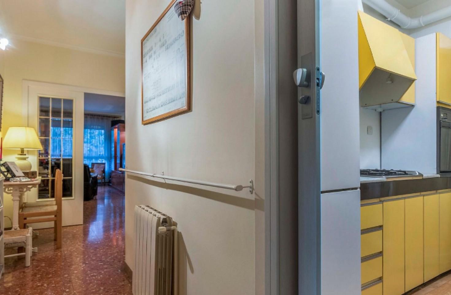 Acogedor piso en venta en rambla de badal barcelona oi for Pisos en alquiler en badal
