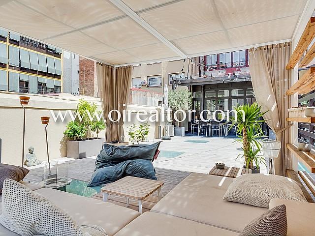 Продается элегантная квартира с террасой 120 м2 в Эшампле Дрета, Барселона