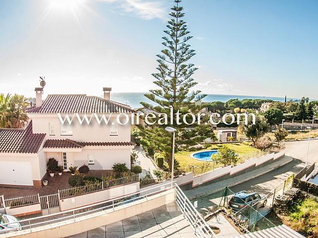 Luxueuse maison à vendre dans l'urbanisation Normax à Lloret de Mar, Costa Brava