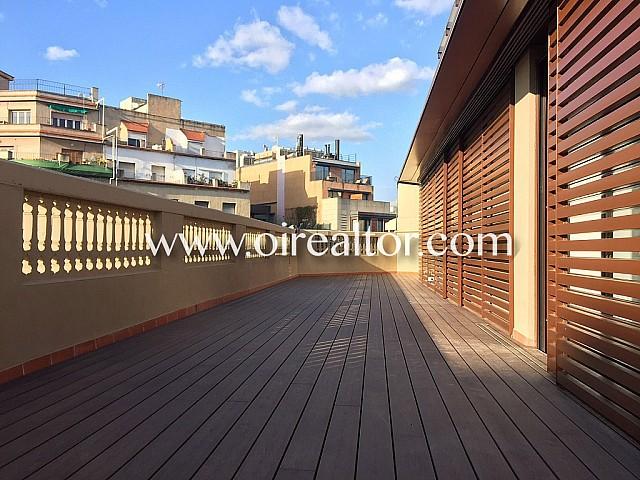 Penthouse à vendre dans un immeuble moderniste à Eixample derecha, Barcelone