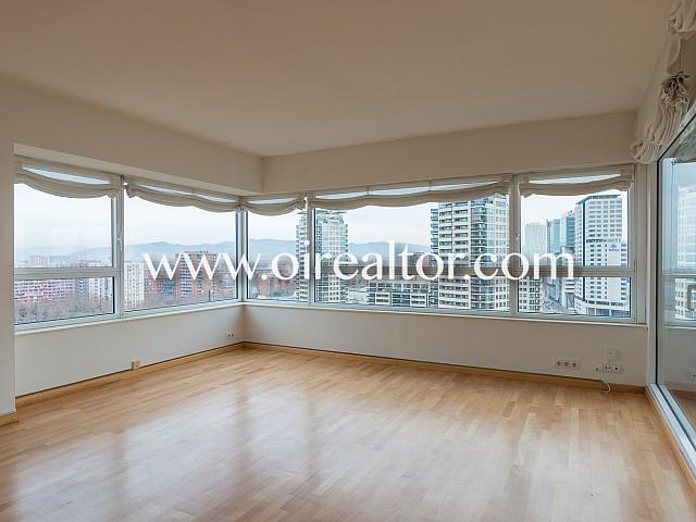 Precioso piso en venta con vistas al mar en Diagonal Mar, Barcelona