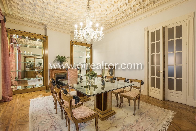 Piso se orial en venta en un antiguo palacete en el centro for Compartir piso madrid centro