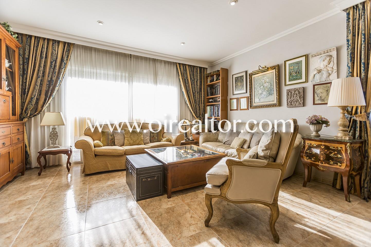 Amplio y luminoso apartamento en venta en el centro de - Spa vilanova i la geltru ...