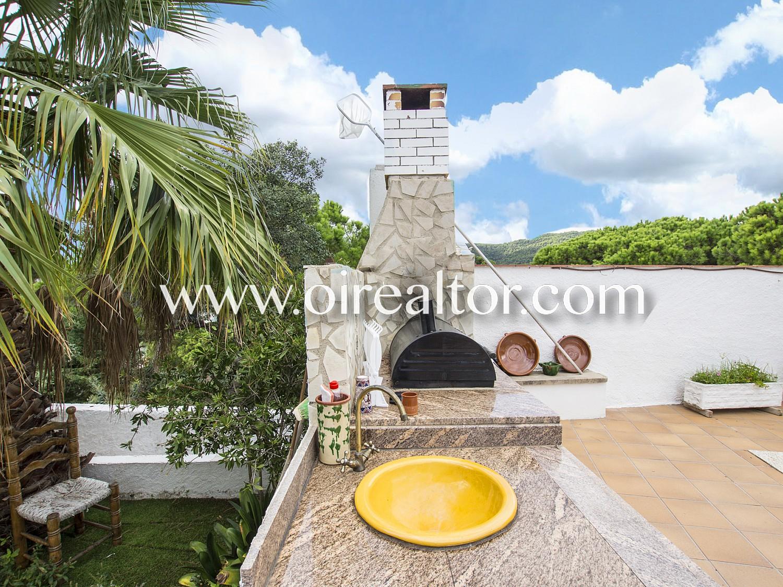 Отличный дом в аренду с возможностью покупки с первоклассной отделкой и фронтальным видом на море в Кала Канеллас, Коста Брава