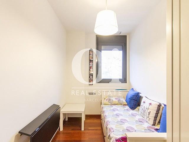 Estancia de piso en venta en zona Diagonal Mar, Barcelona
