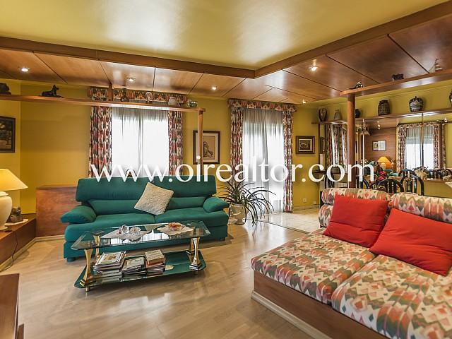 Magnífic pis cèntric en venda, tot exterior i llest per entrar a viure a Plaça Espanya de Sitges