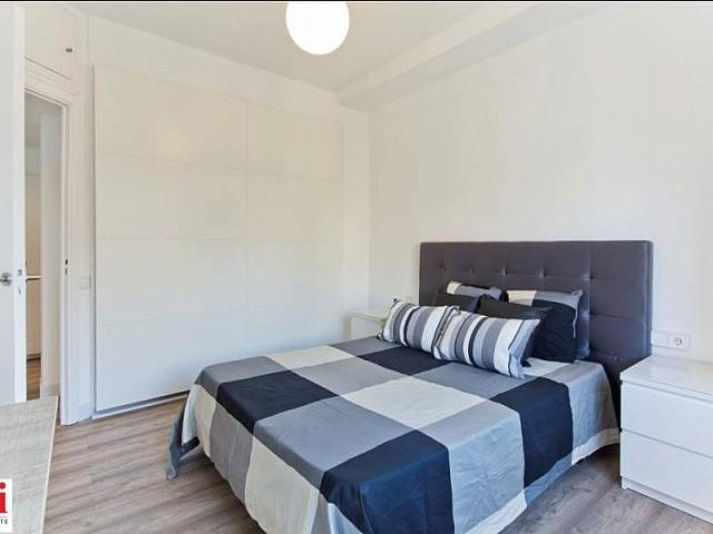 Dormitorio de matrimonio de piso en alquiler en calle Comte Urgell, Eixample Izquierdo, Barcelona