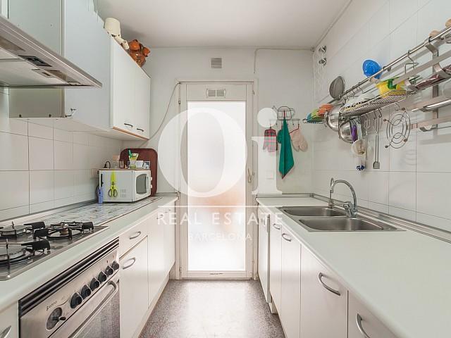 Cocina de piso en venta en zona Diagonal Mar, Barcelona