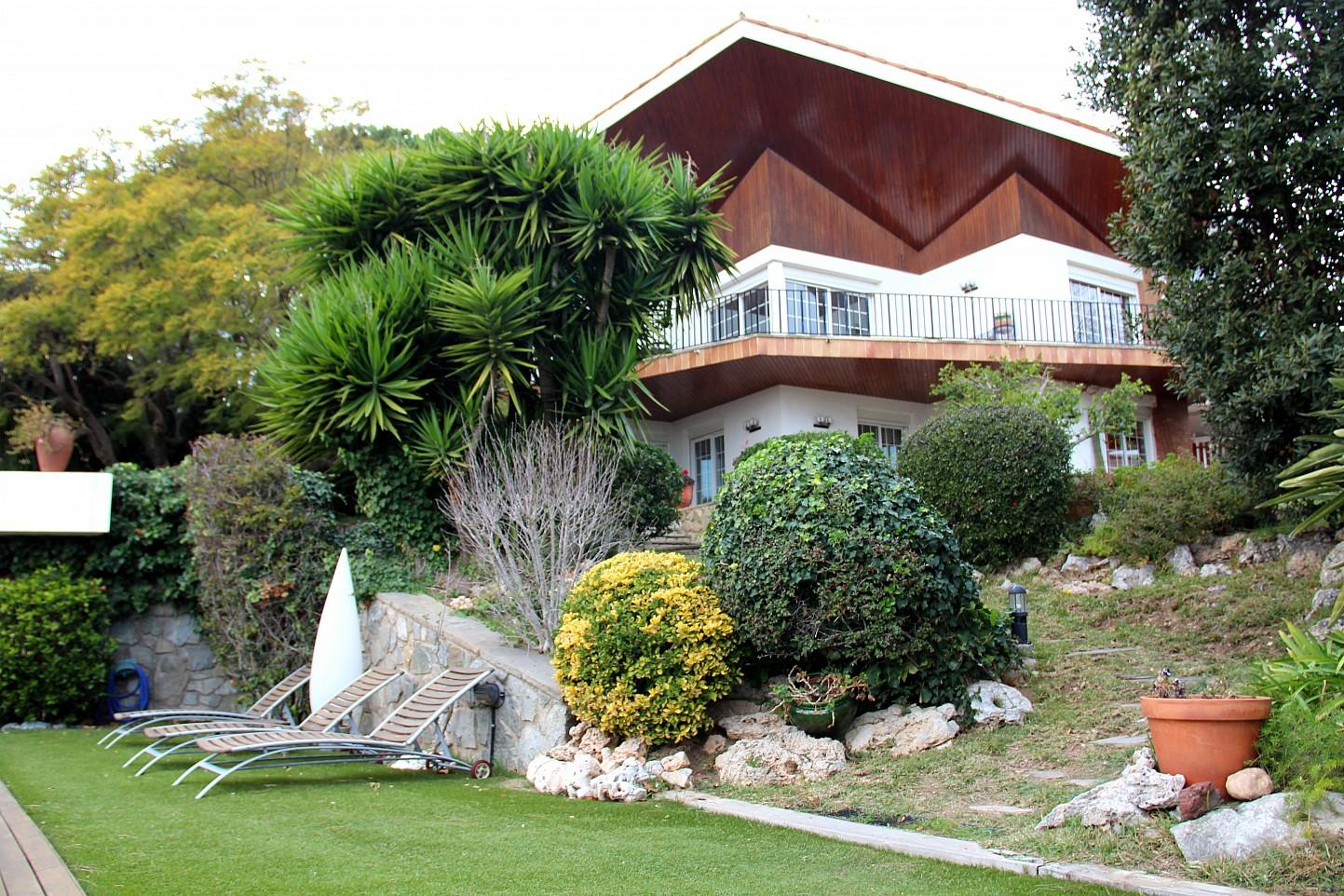 House for sale in el masnou oi realtor - Casas con piscina ...