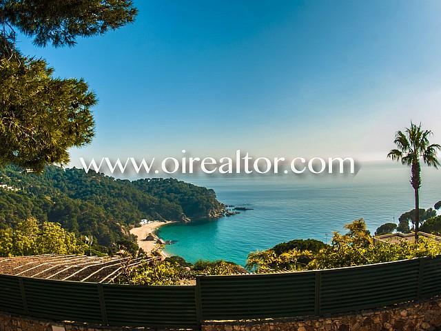 Casa eccellente con finiture di prima qualità e vista mare frontale a Cala Cañellas, Costa Brava