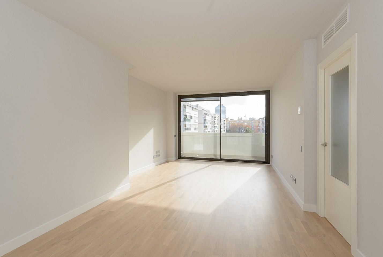 piso en venta en la marina de port barcelona oi realtor. Black Bedroom Furniture Sets. Home Design Ideas