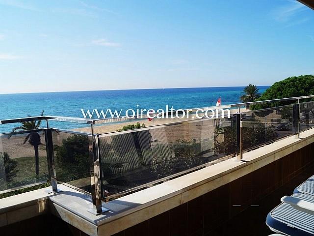 Piso de alto standing en venta en la primerísima línea de mar de Caldes D'Estrac