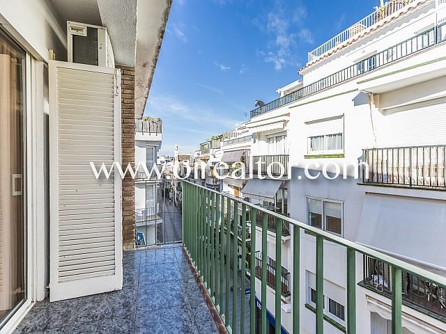 Luminoso apartamento en venta con licencia turística en el centro de Sitges