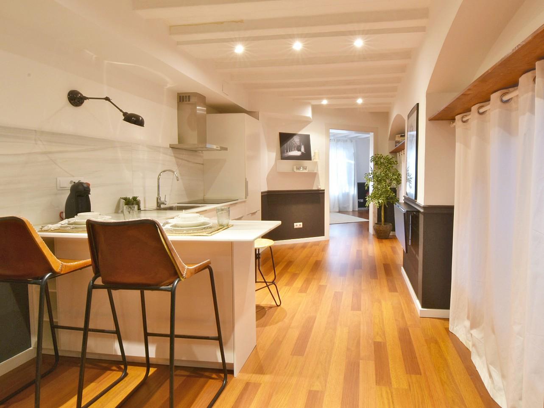 Acogedor piso en alquiler en el born barcelona oi realtor for Piso alquiler barcelona