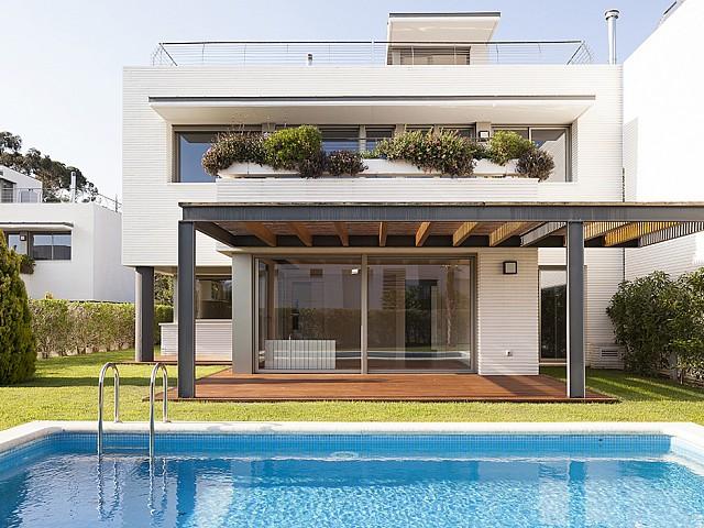 Прекрасный дом в Сан-Висенс-де-Монтальт