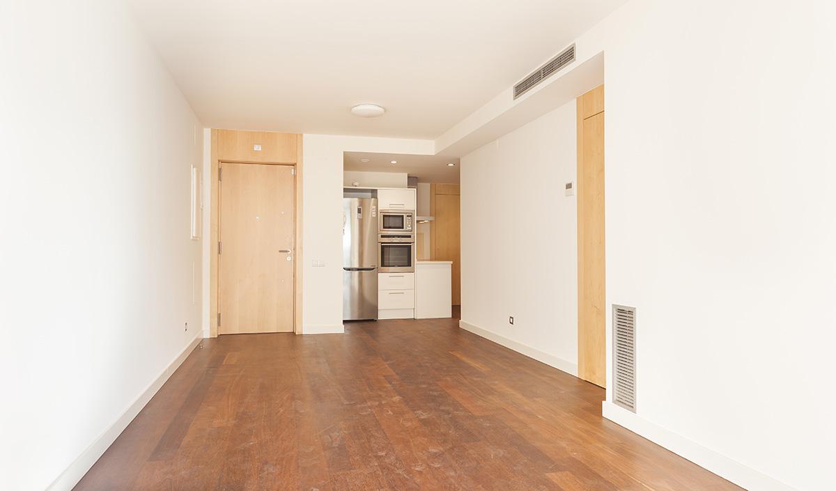 Excelente piso en alquiler en galvanyi barcelona oi realtor for Alquiler piso valdemarin