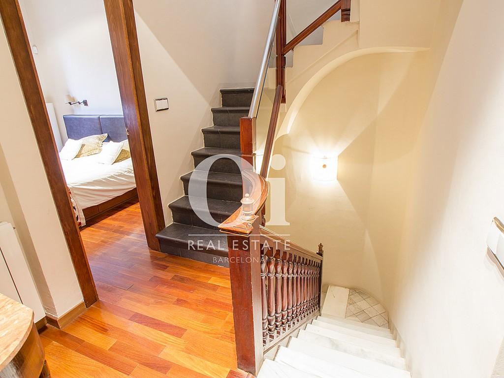 Escalera de casa en alquiler en zona de Sant Gervasi - Les Tres Torres, Barcelona