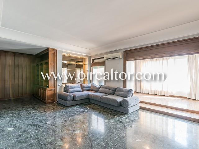 Appartement à vendre avec grande terrasse à côté de la Rambla de Catalunya, Barcelone