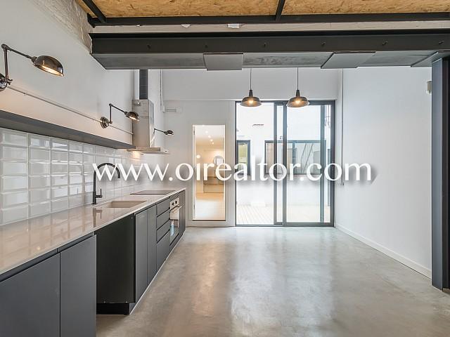 Loft Design zum Verkauf mit Terrasse in Poble Nou, Barcelona