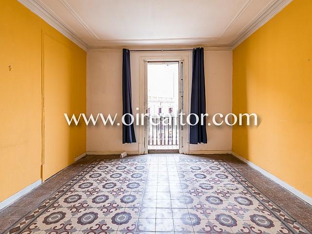 Wohnung zum Verkauf an Reform mit vielen Möglichkeiten im Zentrum von Barcelona