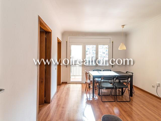 Quiet apartment for sale spacious and close to Plaça Universitat, Barcelona