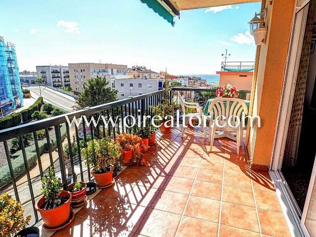 Völlig außen Ecke Wohnung zum Verkauf mit Meerblick in Sitges