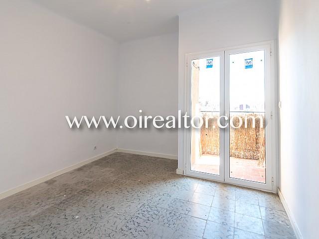 Gemütliche Wohnung zu verkaufen vor dem Meridiana, Barcelona