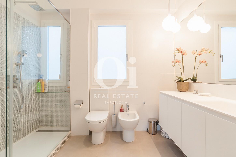 одна из 3 ванных комнат эксклюзивного пентхауса на продажу в Эйшампле