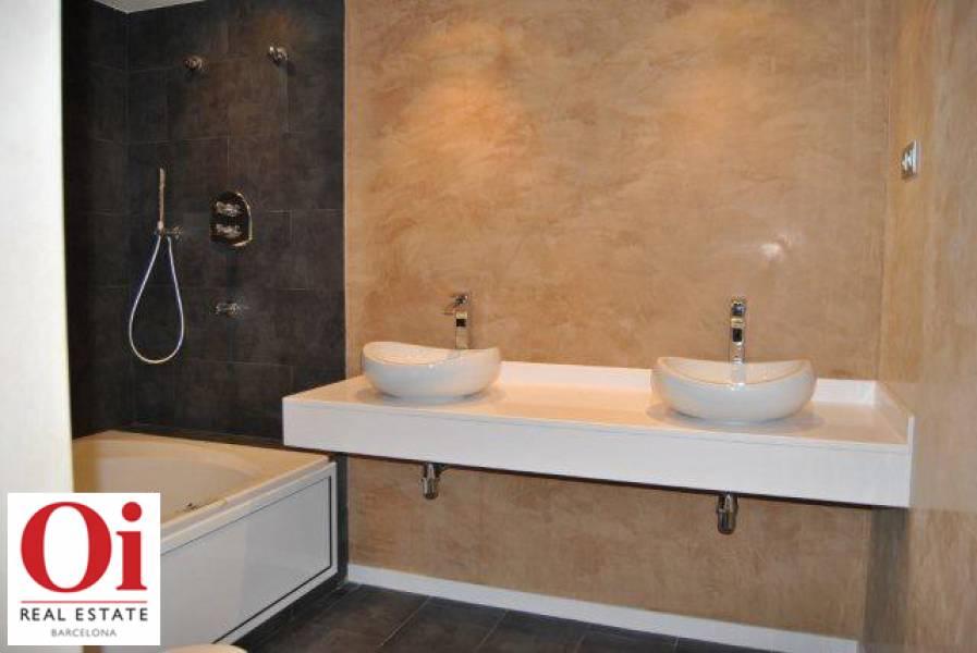 Bany d'una suite amb banyera