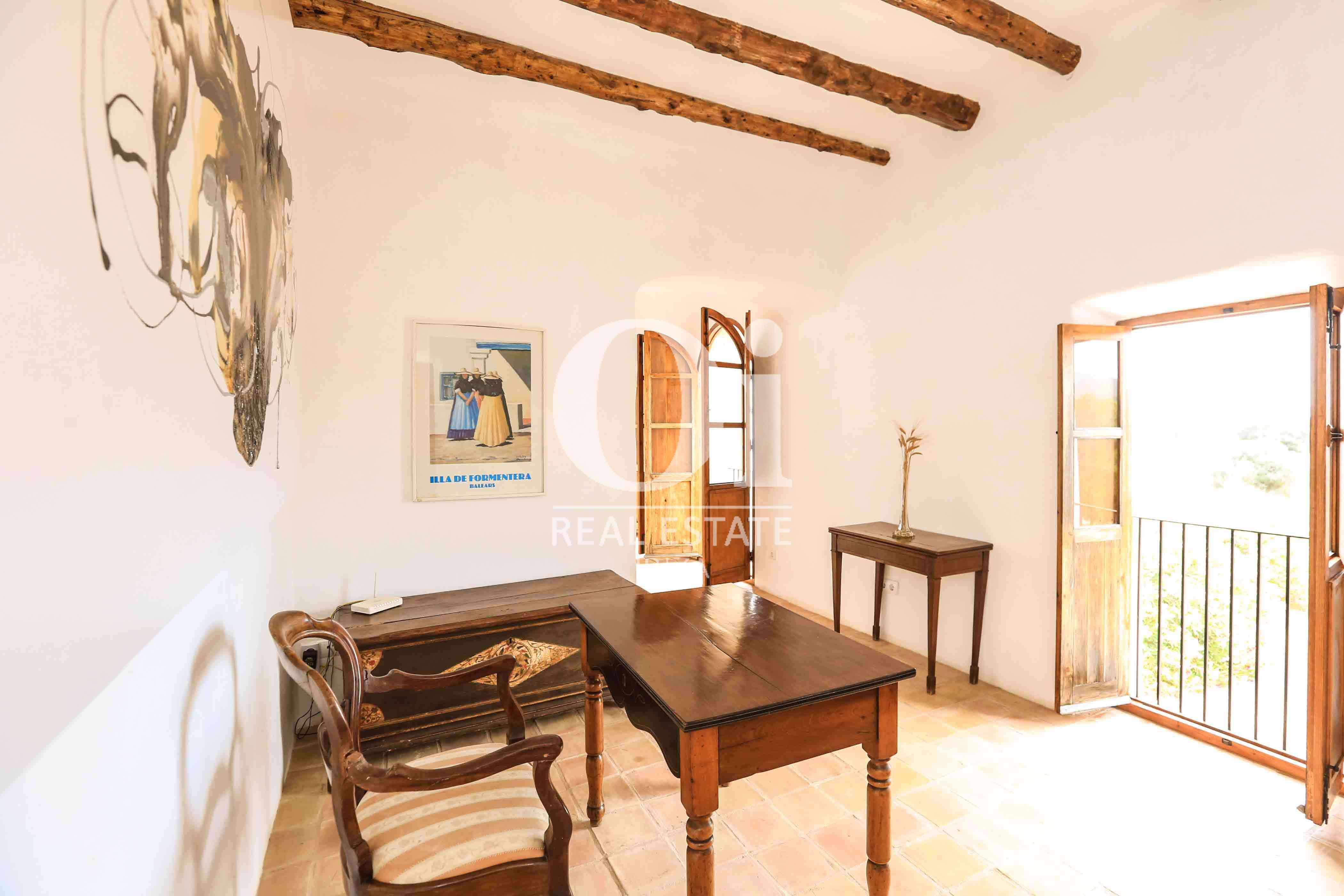 Despacho de casa en alquiler vacacional en zona Puig d'en Valls, Ibiza