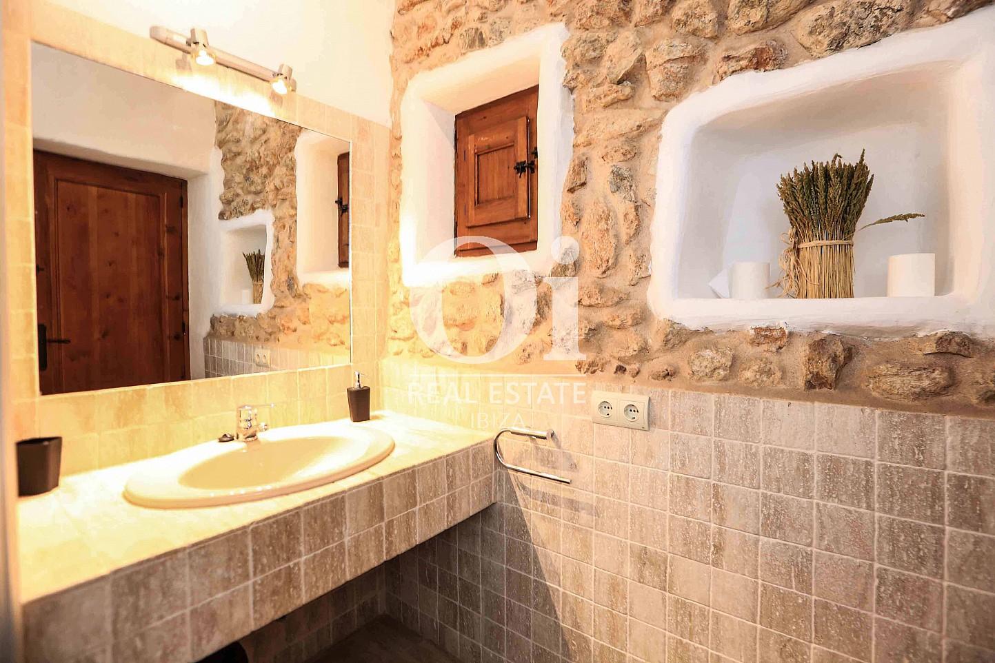 Baño de casa en alquiler vacacional en zona Puig d'en Valls, Ibiza