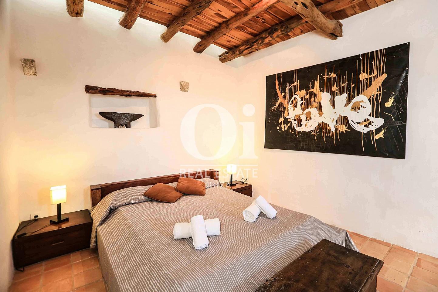 Habitación de matrimonio de casa en alquiler vacacional en zona Puig d'en Valls, Ibiza