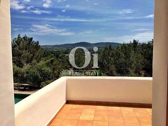 Terraza de casa de alquiler de estancia en zona de Sant Rafael, Ibiza