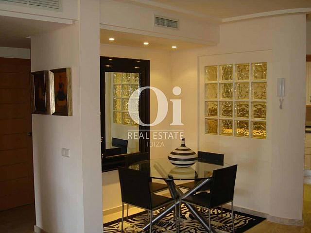 Blick in die Innenräume vom Apartment zum Verkauf in Roca Llisa, Ibiza